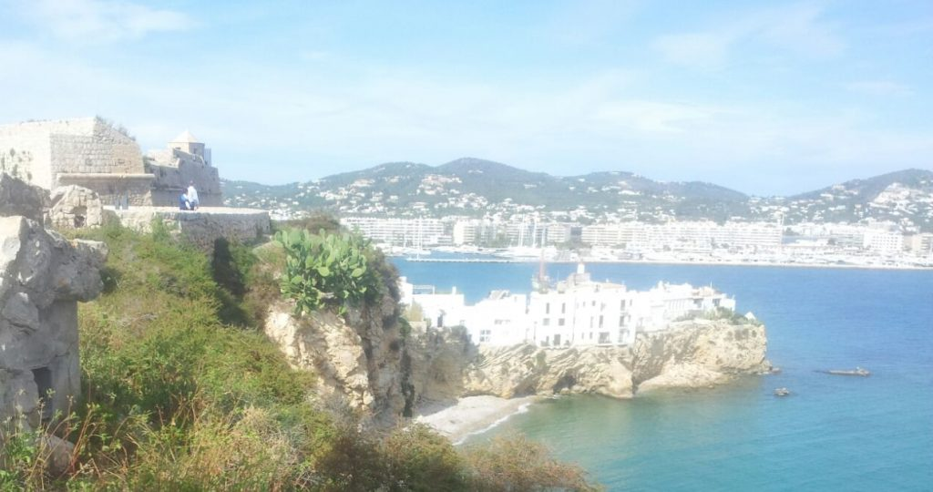 puerto viejpo solo turismo yates-crop