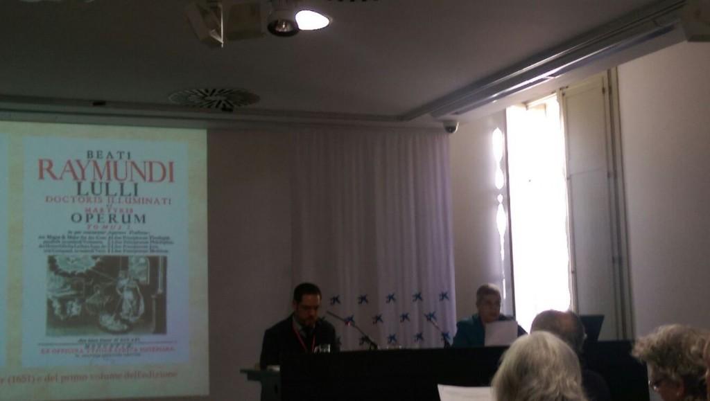 un momento de la ponencia de la Dra Micaela Pereira